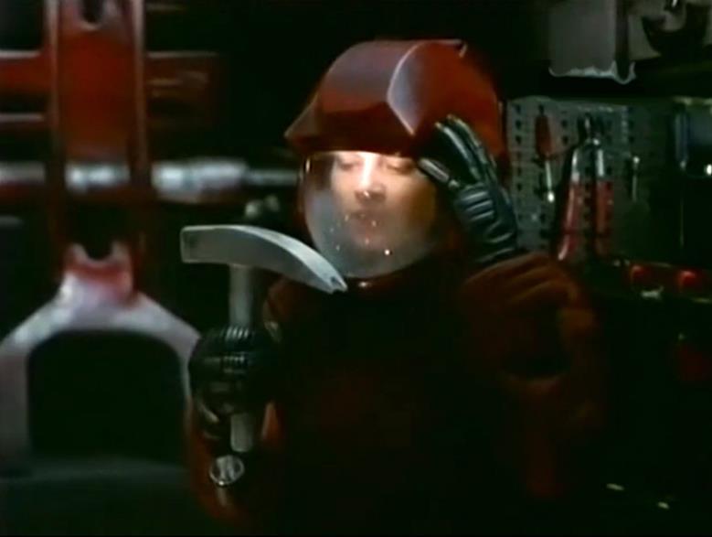 Корабль пришельцев,Инопланетная угроза, AlienCargo, 1999